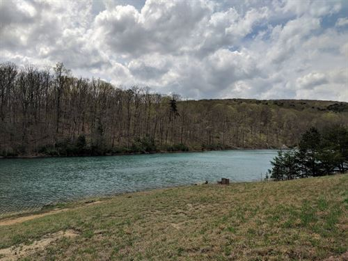 Unique Property, Private Lake : Dunlap : Sequatchie County : Tennessee