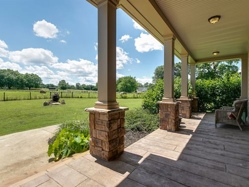 Home Overlooking The Buffalo River : Summertown : Lawrence County : Tennessee