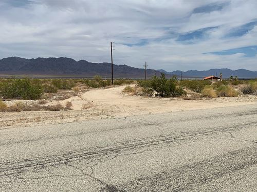 Beautiful Farm Land With Ez Access : Desert Center : Riverside County : California