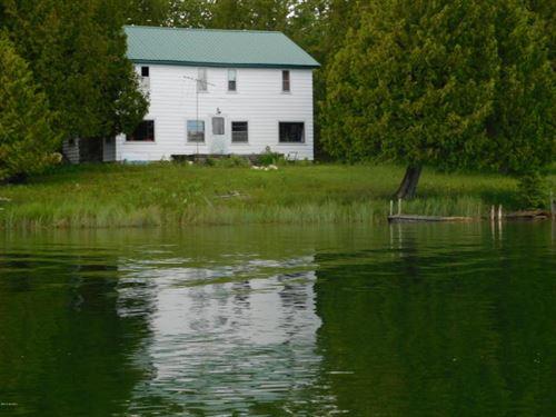 Hunting & Fishing Drummond Island : Drummond Island : Chippewa County : Michigan