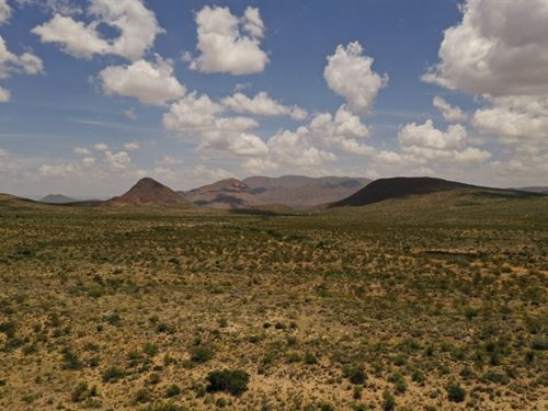 31 Acres With Mountain Views : Terlingua : Brewster County : Texas