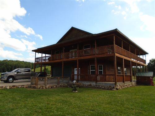 Working Cattle Ranch In Missouri : Black : Iron County : Missouri