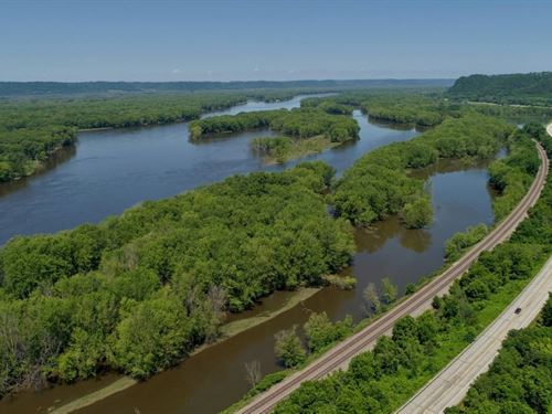 Lot Overlooking Mississippi River : Genoa : Vernon County : Wisconsin
