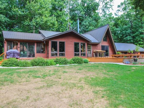 Country Home in Iola, WI For Sale : Iola : Waupaca County : Wisconsin