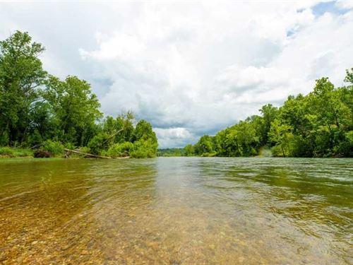 18 Acres Current Riverfront : Van Buren : Carter County : Missouri