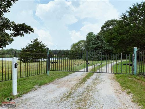 32 Acres With Lodge Style Home And : Phillipsburg : Laclede County : Missouri