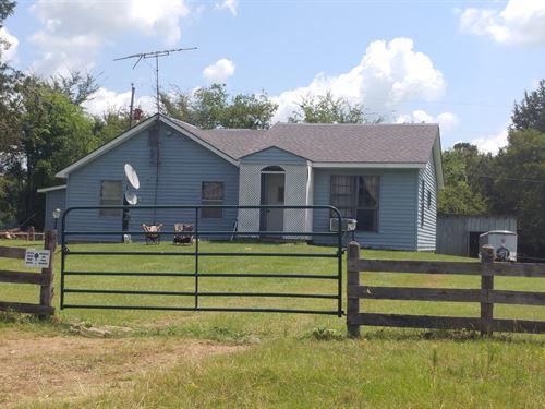 Cattle Farm Ready to Work Foot : Waldron : Scott County : Arkansas