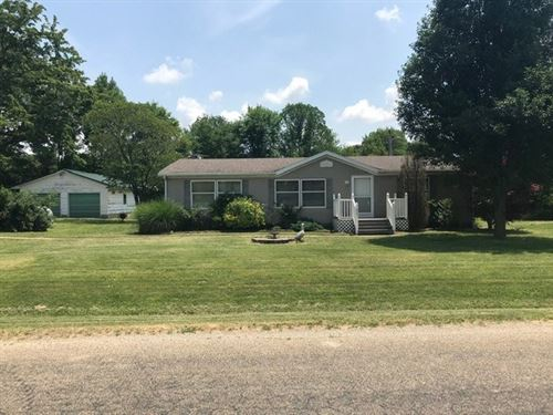 3 Bedroom, 2 Bath Country Home Pond : Flat Rock : Crawford County : Illinois