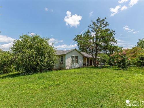 Old Farm For Sale in Arkansas : Mena : Polk County : Arkansas