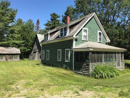 Country Farmhouse Grand Falls, ME : Grand Falls Township : Penobscot County : Maine