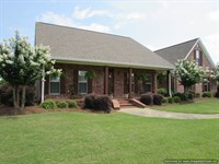 Country Home On 7.67 Acres : Madison : Madison County : Mississippi