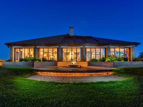 Deerland Estate : Mitchell : Davison County County : South Dakota