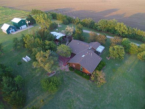 Rush County Retreat : Bison : Rush County : Kansas