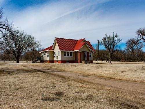 Quivira Vista Lodge : Hudson : Stafford County County : Kansas