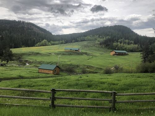 The Red Hill Retreat : Lewistown : Fergus County County : Montana