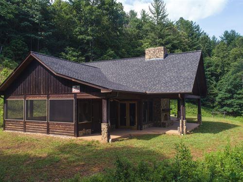 Mountain Lodge in Ferguson NC : Ferguson : Wilkes County : North Carolina