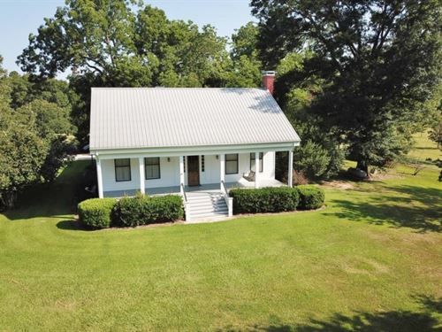 Custom Lodge, Lake, Hunting, Land : Gloster : Amite County : Mississippi