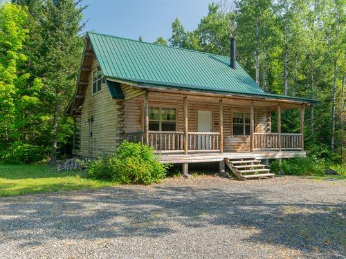 Katahdin Log Home Doorstep Baxter : Mount Chase : Penobscot County : Maine