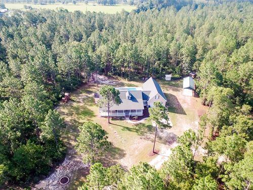 Home With Expansive Acreage : Screven : Wayne County : Georgia