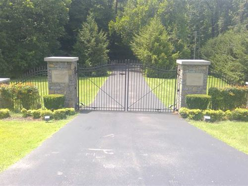 10.5 ac Home Site in a Gated Commu : Franklin : Williamson County : Tennessee