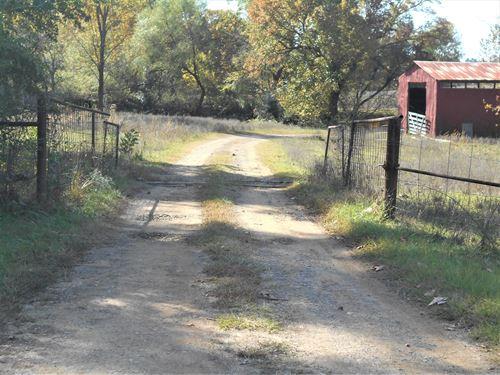 Farm Living Or Hunters Paradise : Ozark : Franklin County : Arkansas