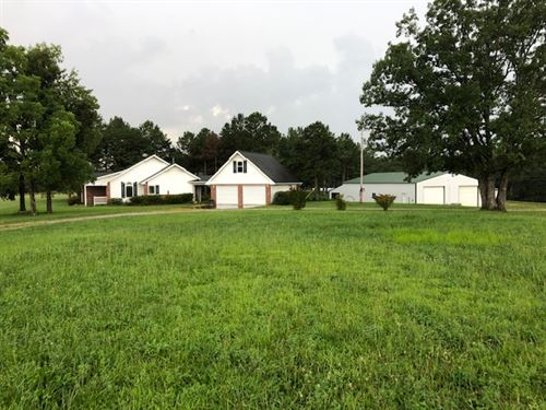 Great Location, Beautiful Home : Licking : Texas County : Missouri