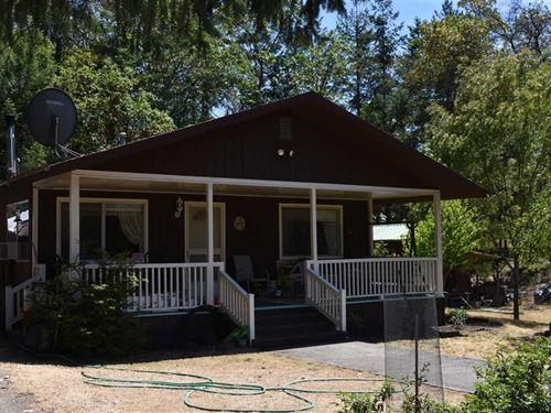 Canyonville, Oregon Private 12 Plu : Canyonville : Douglas County : Oregon
