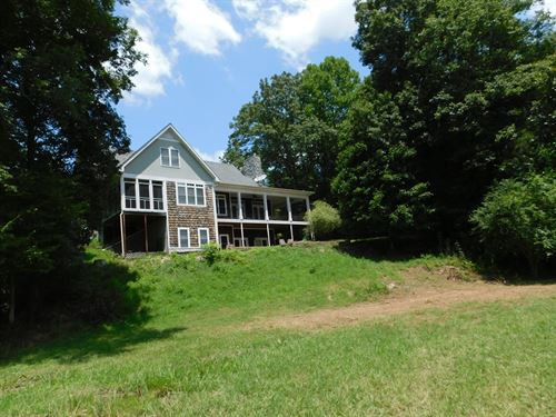 Farm House With Lots of Acreage : Olivehill : Hardin County : Tennessee