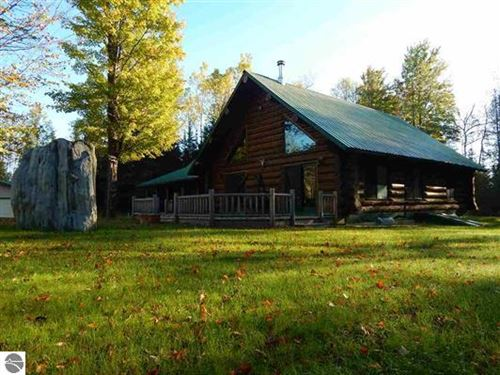 Log Home And Awesome Hunting Land : Foster City : Dickinson County : Michigan