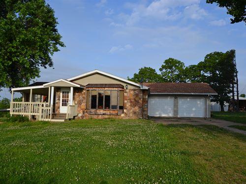 Missouri Farm, Private Lake, Home : West Plains : Howell County : Missouri