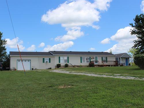 Country Living On Pavement : Osage City : Osage County : Kansas