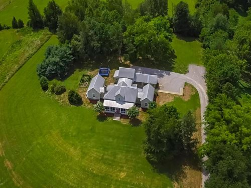 Picture Perfect Farmhouse : Thompson's Station : Williamson County : Tennessee