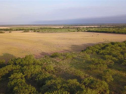 157 ac Farm/Ranch/Recreational Pro : Megargel : Archer County : Texas