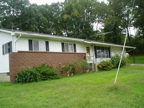 Three Bedroom 1 Bath Home Basement : Lowndes : Wayne County : Missouri