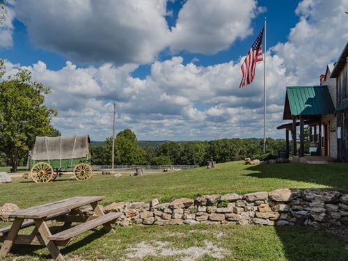 Equine River Ranch, Lodge, Cabins : West Plains : Douglas County : Missouri