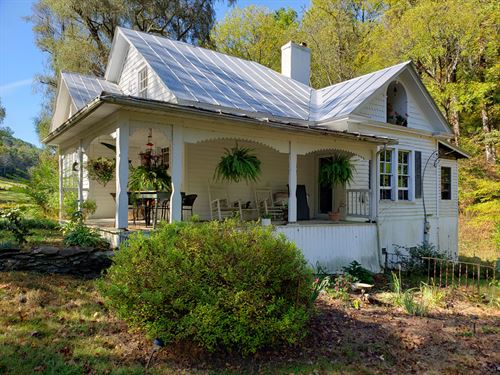 Historic Mountain Cottage : Troutdale : Grayson County : Virginia