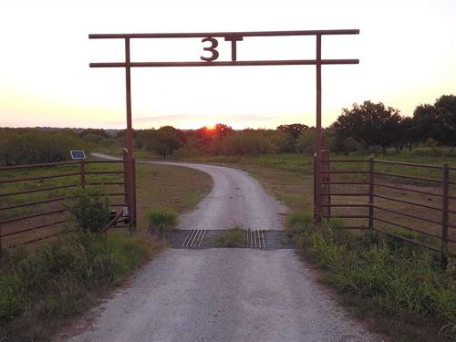 Hdh Ranch-Turn Key Hunting And CA : Newcastle : Young County : Texas