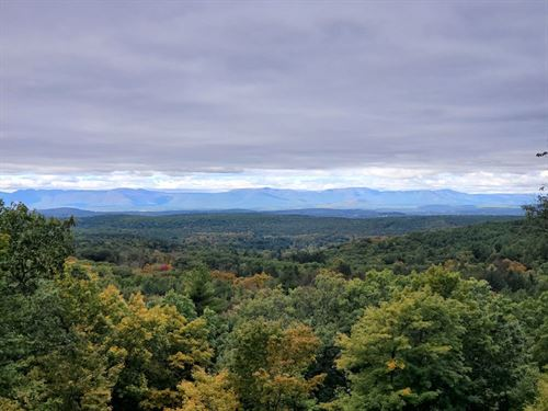 Catskills Mountain Escape : Hillsdale : Columbia County : New York