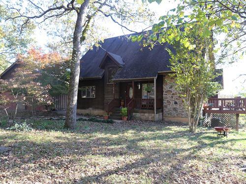 Stone And Cedar Ozark Missouri Home : Gainesville : Ozark County : Missouri
