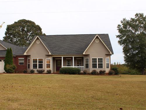 Country Living With Acreage : Camp Hill : Tallapoosa County : Alabama