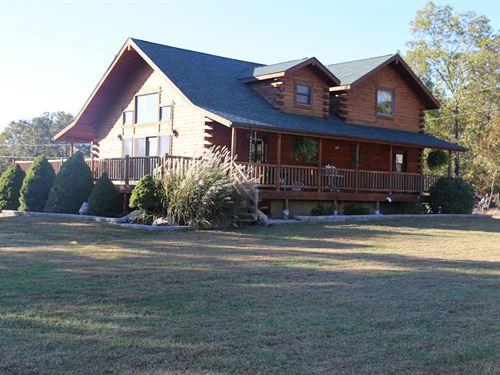 Cedar Log Home 37.89 Acres Pomona : Pomona : Howell County : Missouri