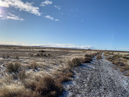 640 Acre Farm Pond & Water Rights : Burns : Harney County : Oregon
