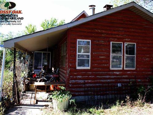 Sprawling 18 Acres With Home : Yates Center : Woodson County : Kansas