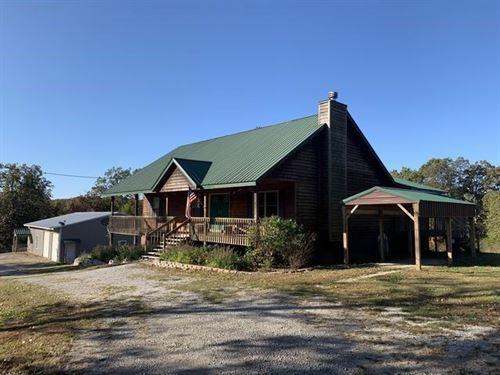 Incredible Country Home, Large : El Dorado Springs : Saint Clair County : Missouri