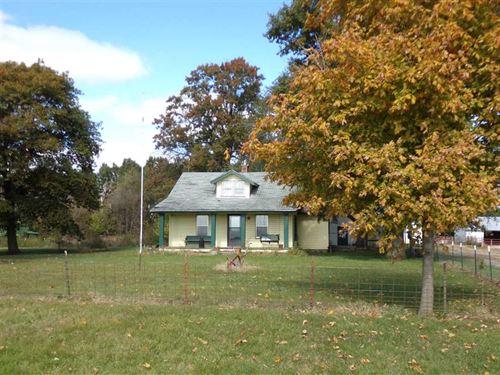 Farm House on 9 Acres With Outbu : King City : Andrew County : Missouri