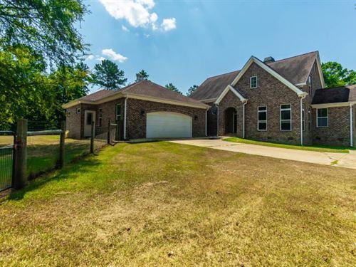 Custom Brick Home With 30 Acres : Forsyth : Monroe County : Georgia