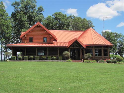 Lake Log Home on 230 Acres : Huntingdon : Carroll County : Tennessee