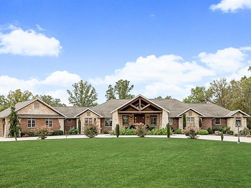 One-Of-A-Kind Estate On 20 Acres : Mountain Grove : Wright County : Missouri