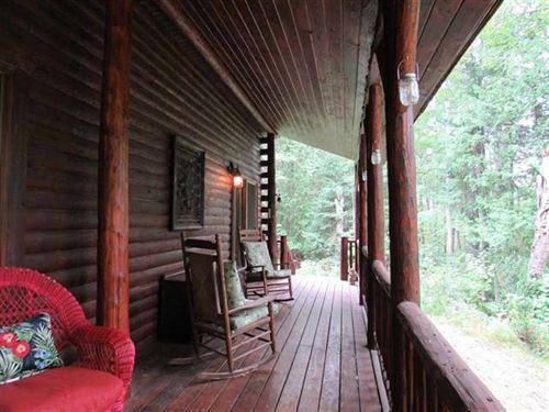 Riverfront Log Lodge & Land 1118794 : Germfask : Schoolcraft County : Michigan