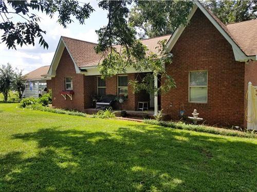 10+ Acres & Beautiful Home : Jesup : Wayne County : Georgia